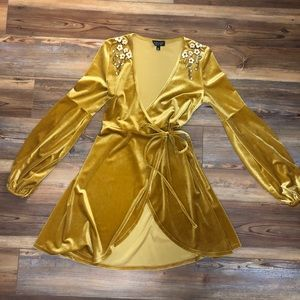 Topshop gold/yellow velvet dress size 4